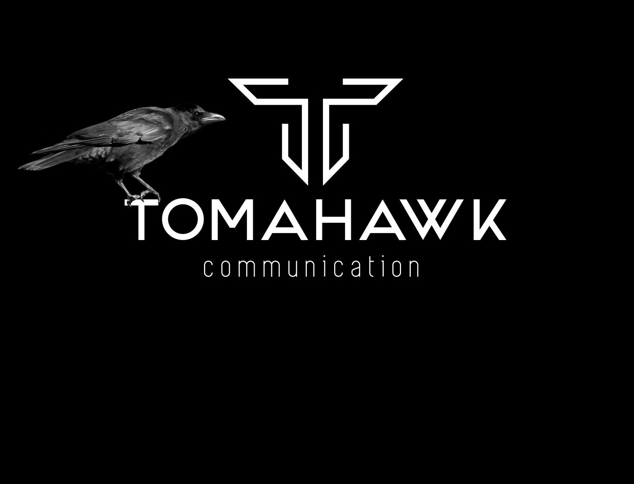 Tomahawk-communication-logo-corbeau-m-